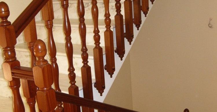 19 -un tramo de  escaleras casa A