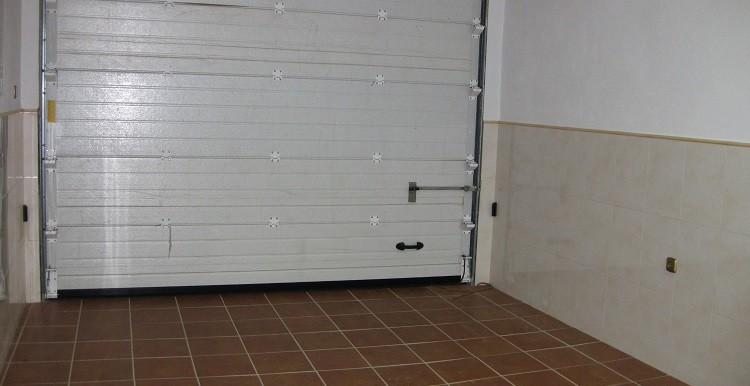 21 - interior garage casa A y B