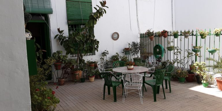 19.- patio central