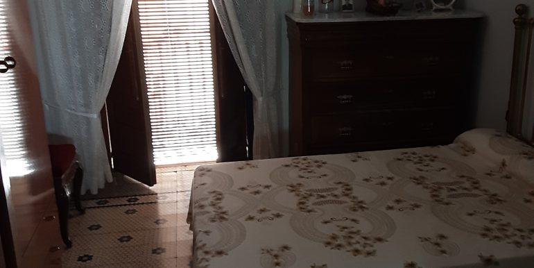 36.- dormitorio 3 con balcón a calle