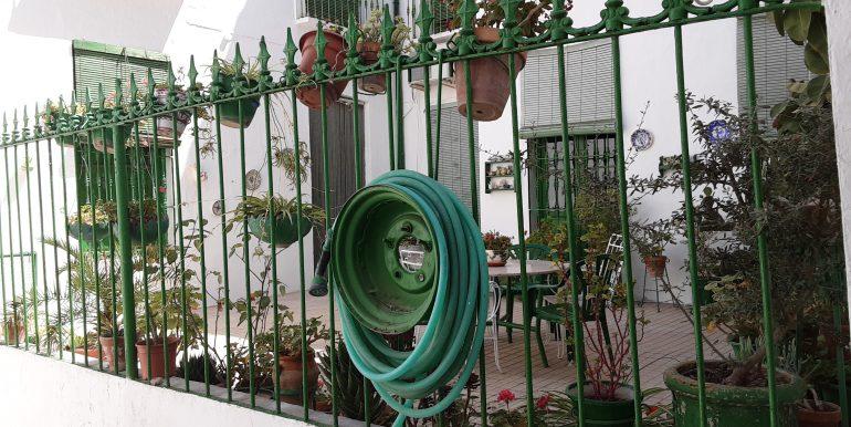 52.- patio principal
