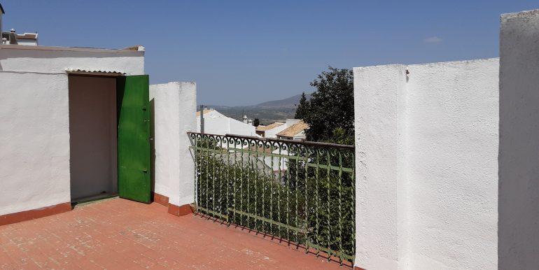 57.- vistas terraza a sierra de la virgen de Araceli